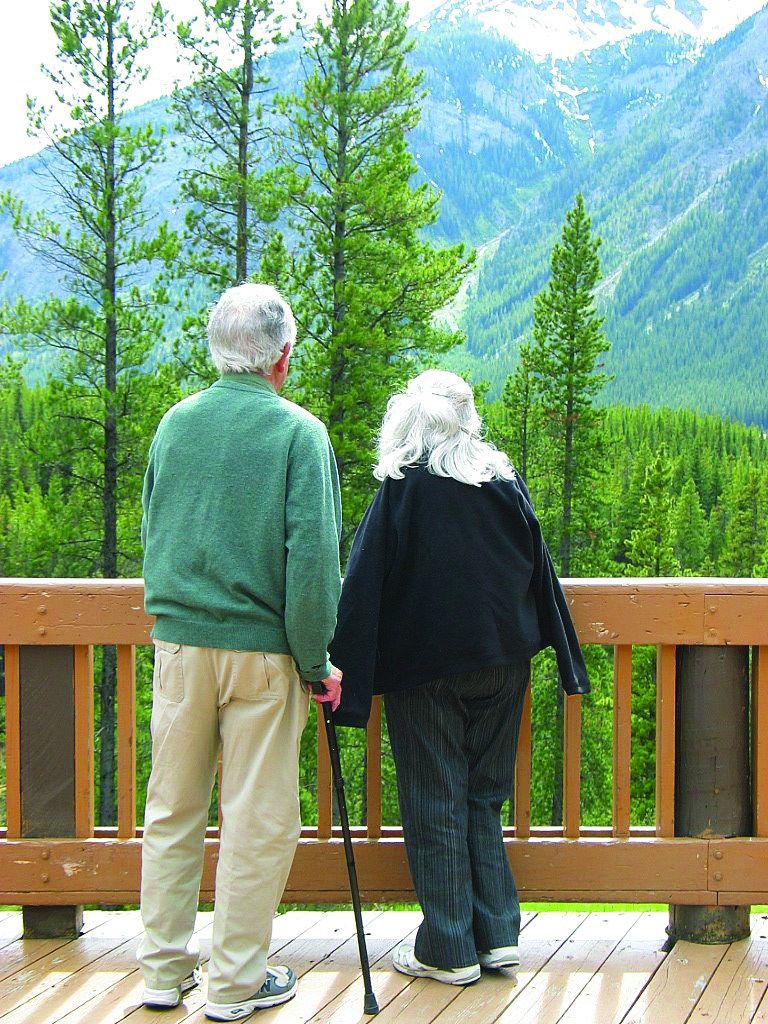 hospice-calgary-lodge-couple