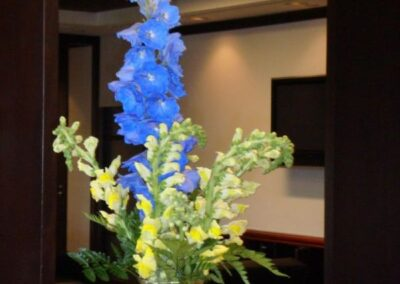 office flowers Delphinium and Snapdragon FFAR02872