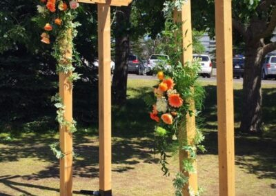 wedding flowers Diagonal of Archway72
