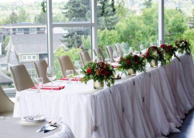 weddings calgary decorations red is for love SKYLINE.VUWedding.201906 8