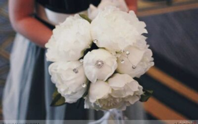 7 Ways to Personalize Your Wedding Flowers